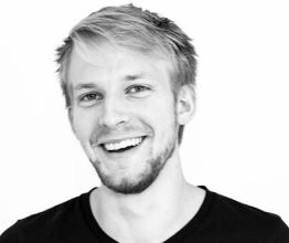 Micha Okkerman ist Front-End Developer bei Helloprint