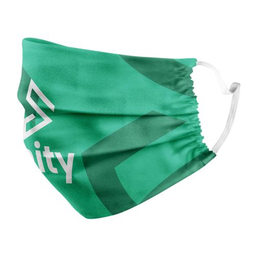 Personalisierte Gesichtsmaske in einem grünen Muster