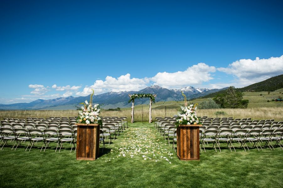 6 open air outdoor wedding venues in montana weddingwire for Chico wedding venues