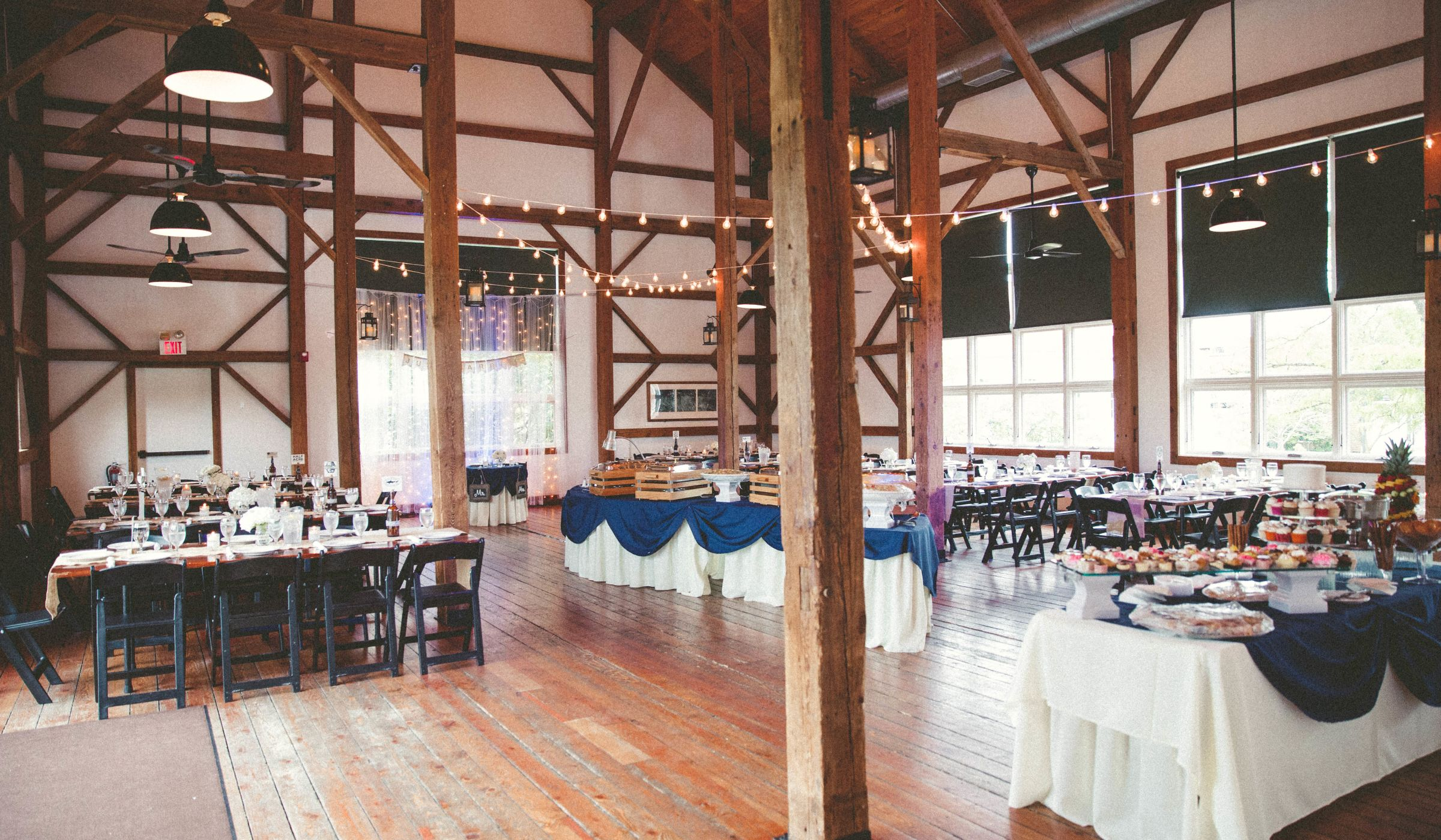 8 Barn Wedding Venues Near Chicago For Rustic Couples