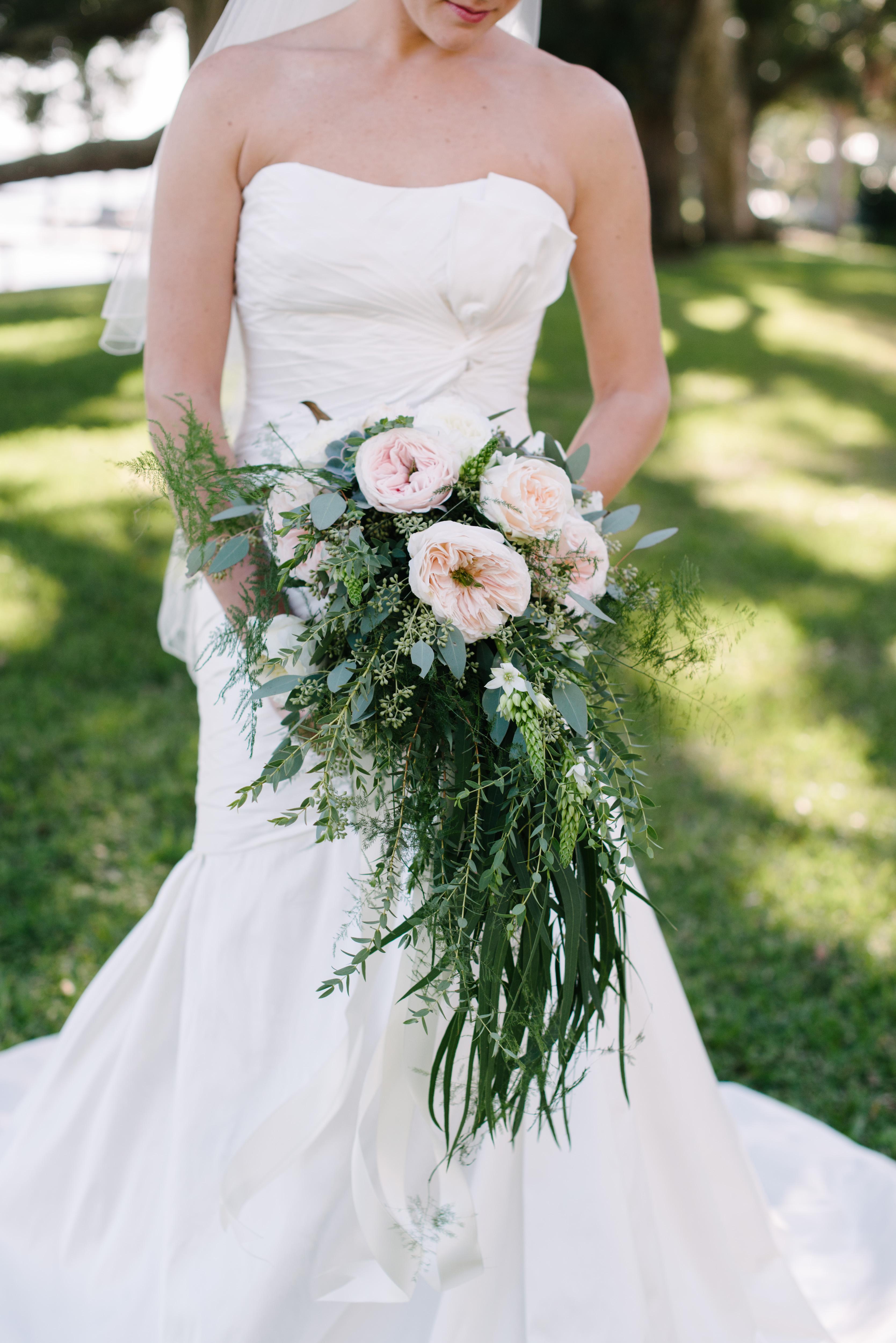 10 Words to Define Your Wedding Style - WeddingWire
