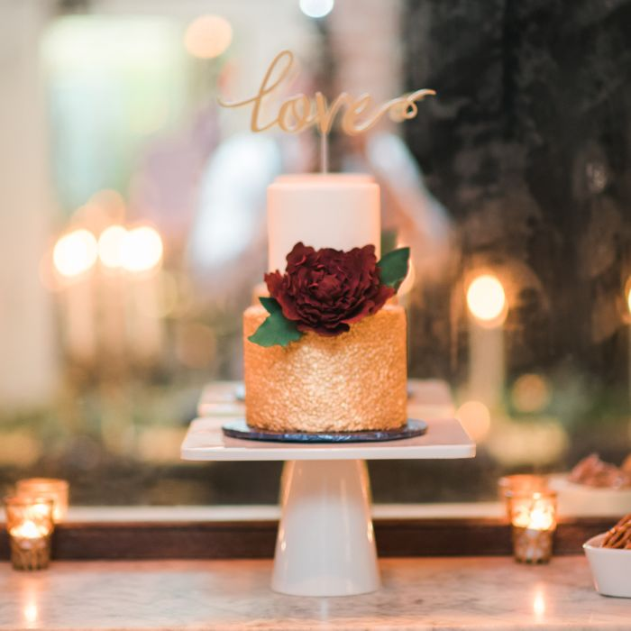 Buttercream Wedding Cakes And Desserts: Fondant Vs. Buttercream: The Sweetest Wedding Cake Debate