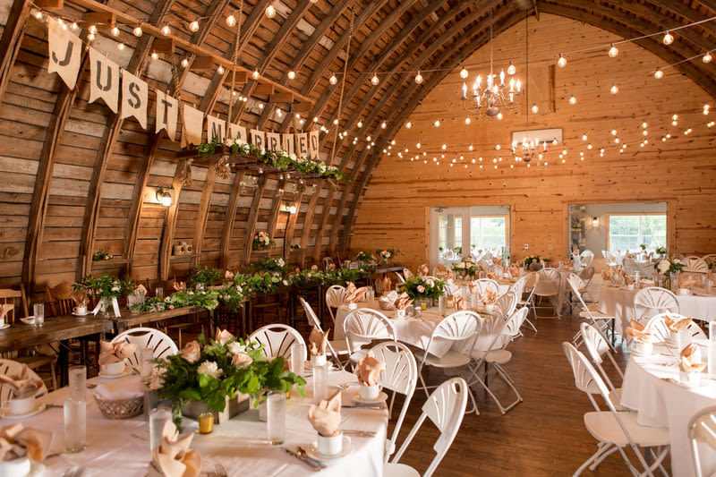 7 Minnesota Barn Wedding Venues Perfect for Rustic Couples ...