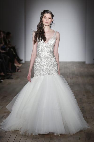 10 amazing las vegas wedding dresses weddingwire lazaro trumpet wedding dress junglespirit Images