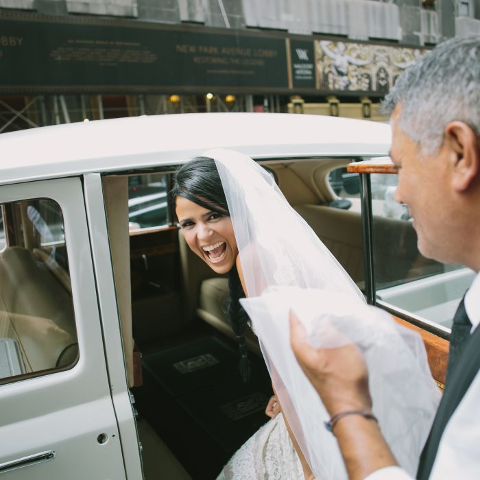 5 Wedding Bouquet Etiquette Questions You Need To Read: Who Will Need Transportation To My Wedding Ceremony