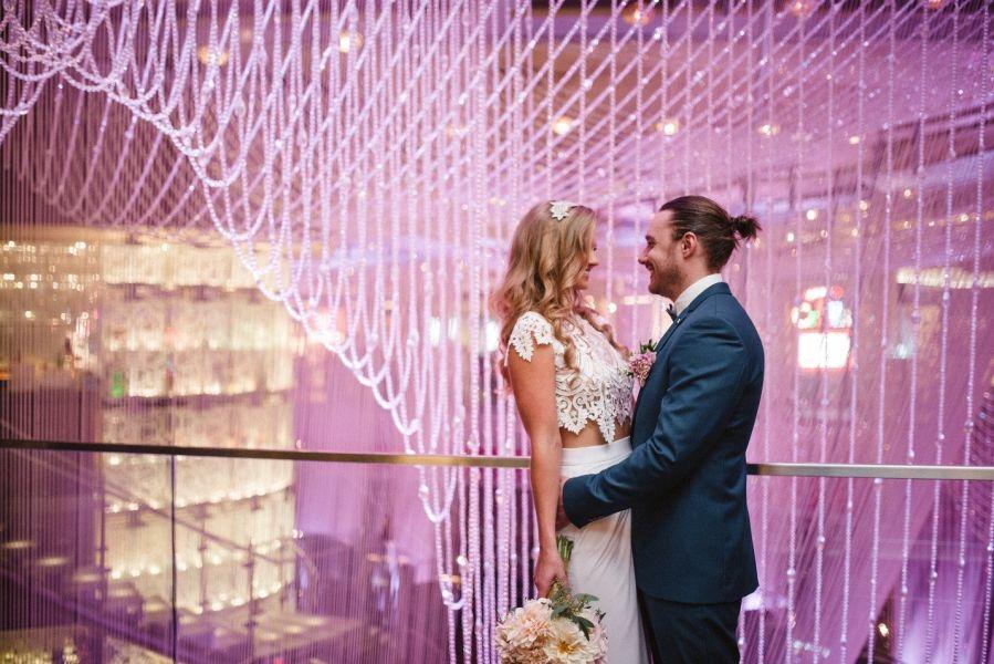 10 Amazing Las Vegas Wedding Photo Backdrops - WeddingWire