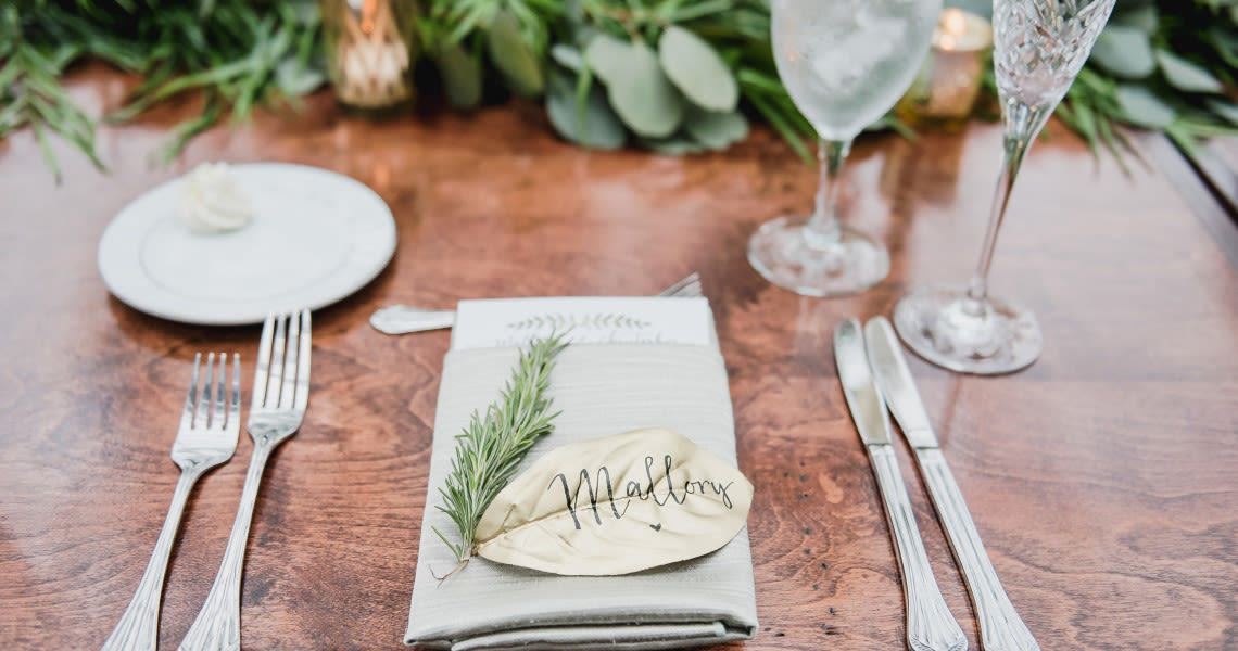 8 Creative Wedding Place Card Ideas - WeddingWire