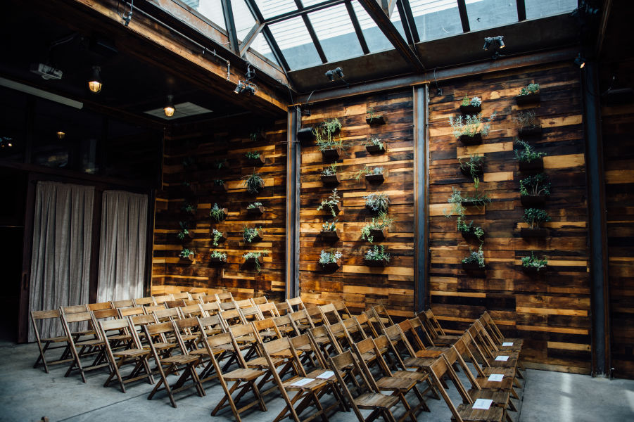 The 12 best nyc wedding venues weddingwire brooklyn winery bryan sargent photography junglespirit Choice Image