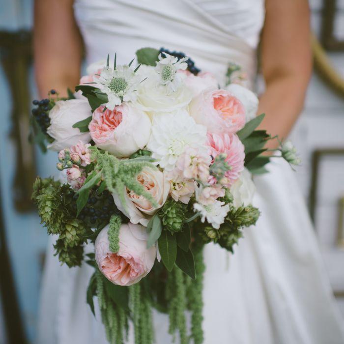 Wedding Wire Flowers: 12 Wedding Flowers That Are Always In Season