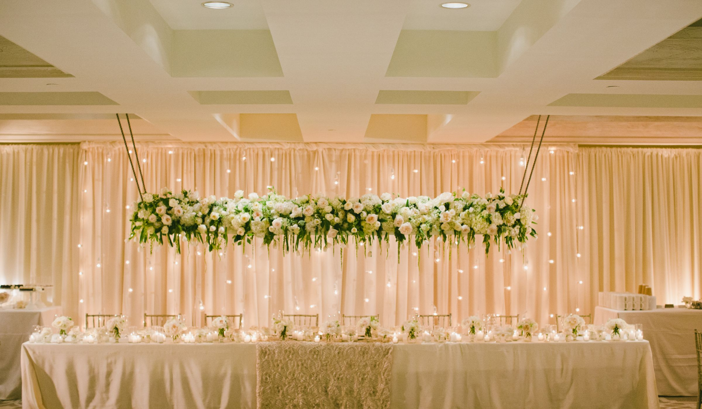 20 hanging centerpieces to spice up your ceiling weddingwire junglespirit
