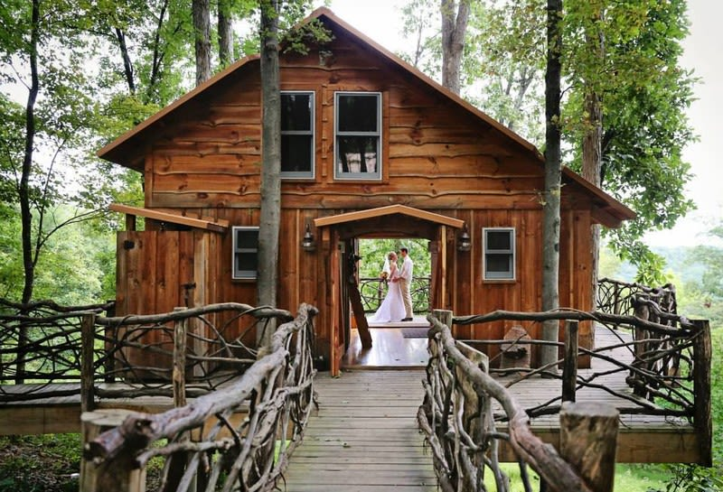 8 rustic wedding venues in northeast ohio weddingwire treehouse wedding venue in ohio junglespirit Images
