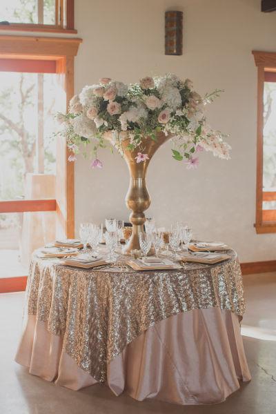 Rose gold wedding ideas for the hopeless romantic