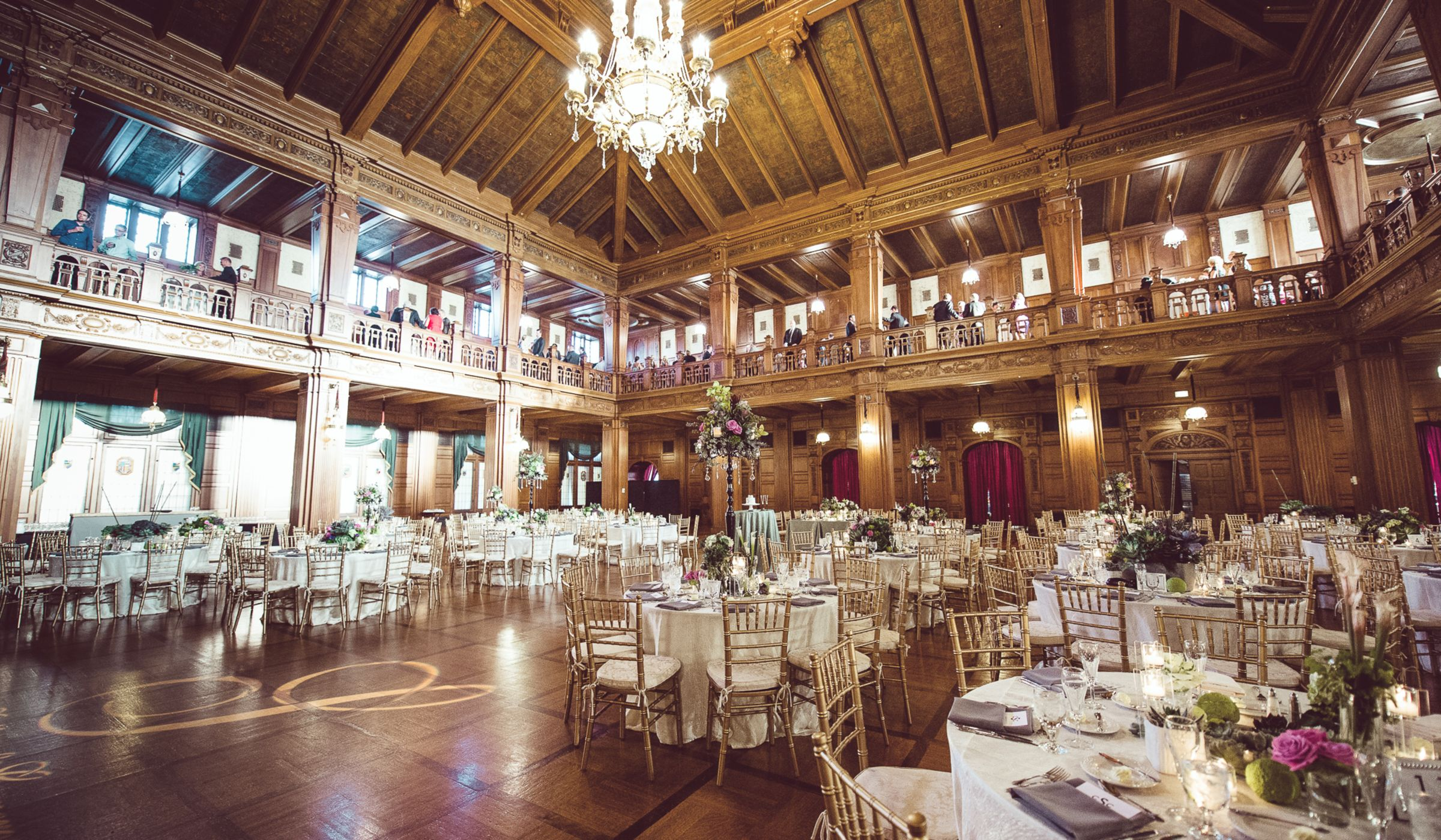 Which wedding reception venue is right for you weddingwire for What is wedding venue