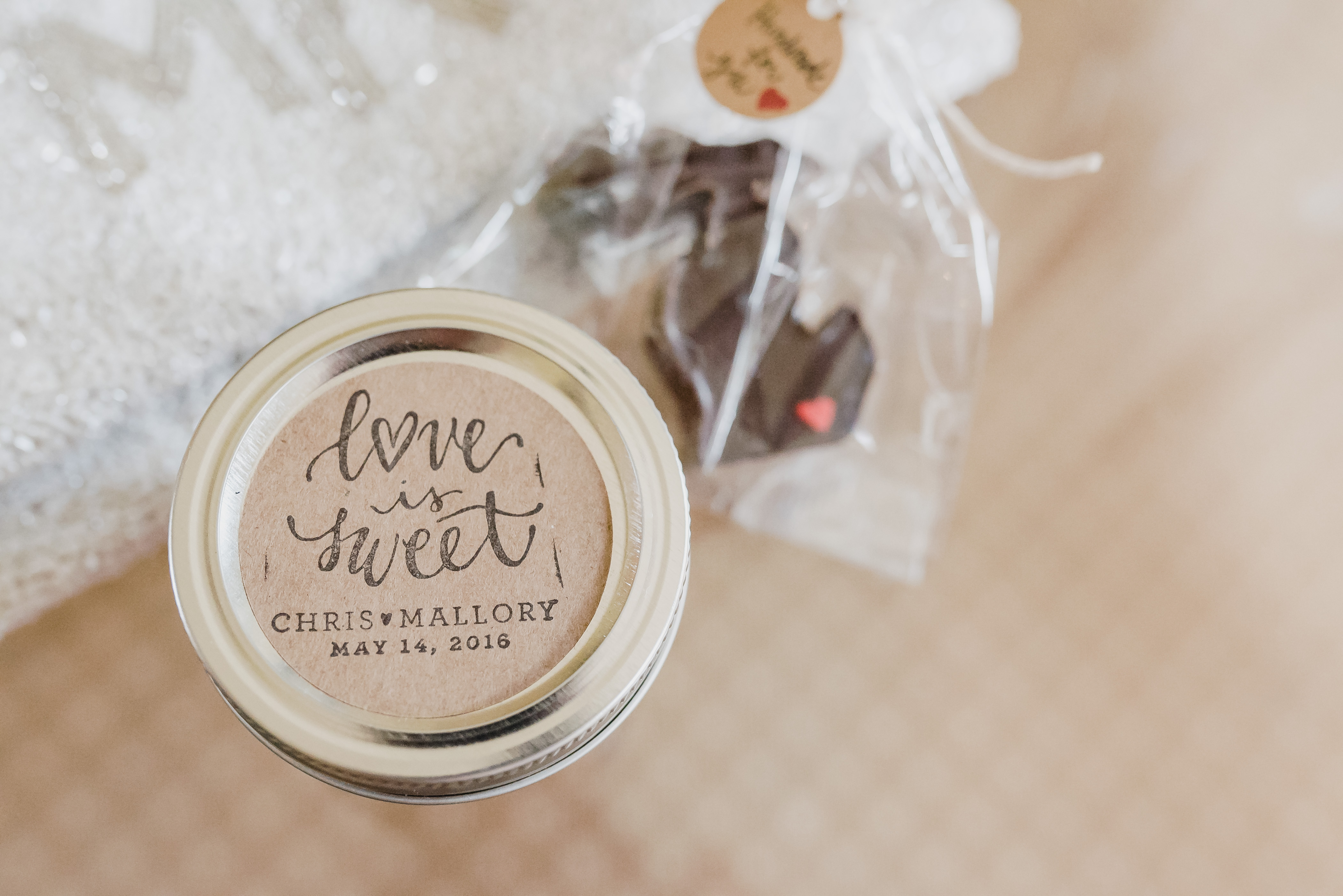 10 Creative Wedding Favor Display Ideas WeddingWire