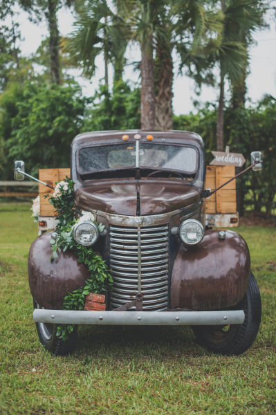 rustic vintage design 18 rustic vintage wedding ideas to obsess over weddingwire