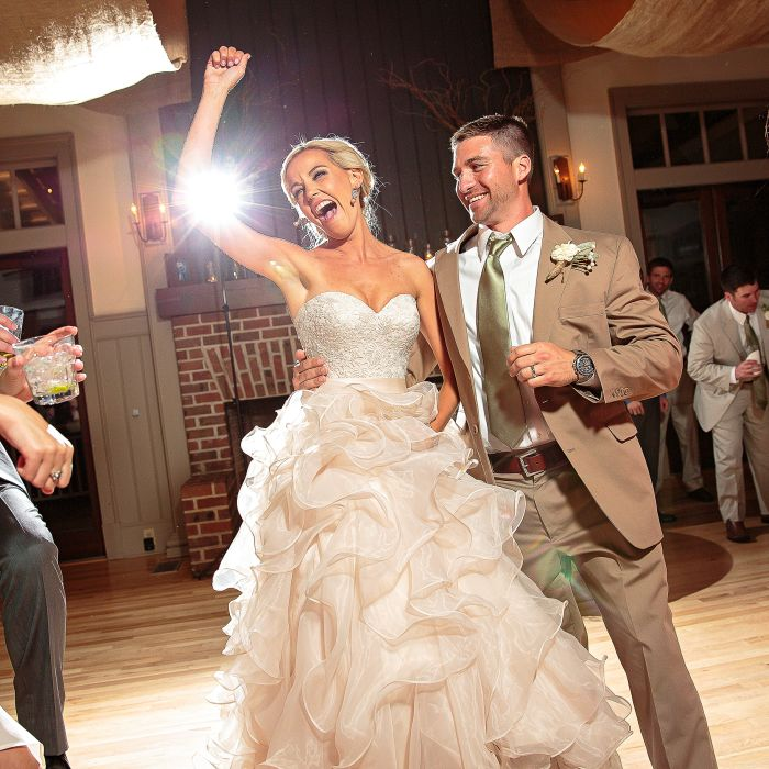 20 First Dance Songs That Are Modern AND Romantic