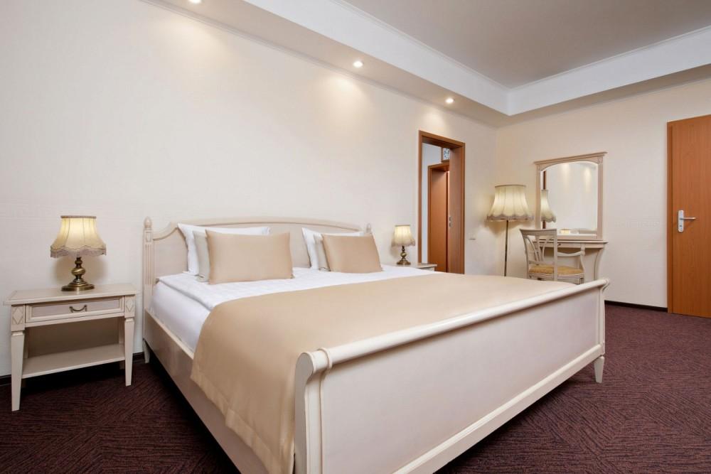 Номер De Luxe Suite в санатории Машук Аква-Терм