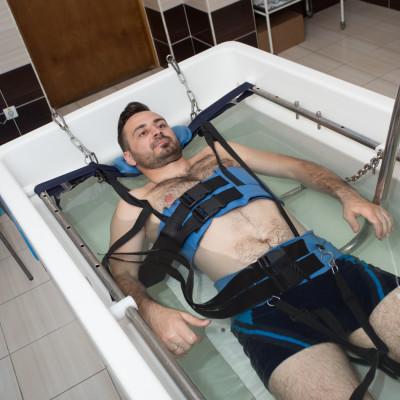 Лечение в санатории Машук Аква-Терм, подводная вытяжка позвоночника