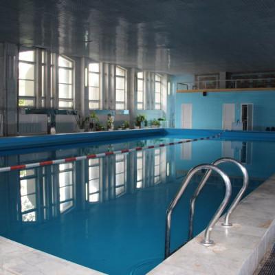 Крытый бассейн в санатории Тарханы