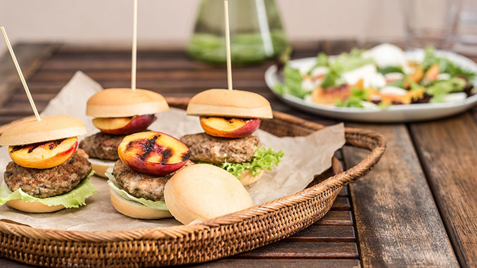 pork-and-nectarine-sliders-recipe
