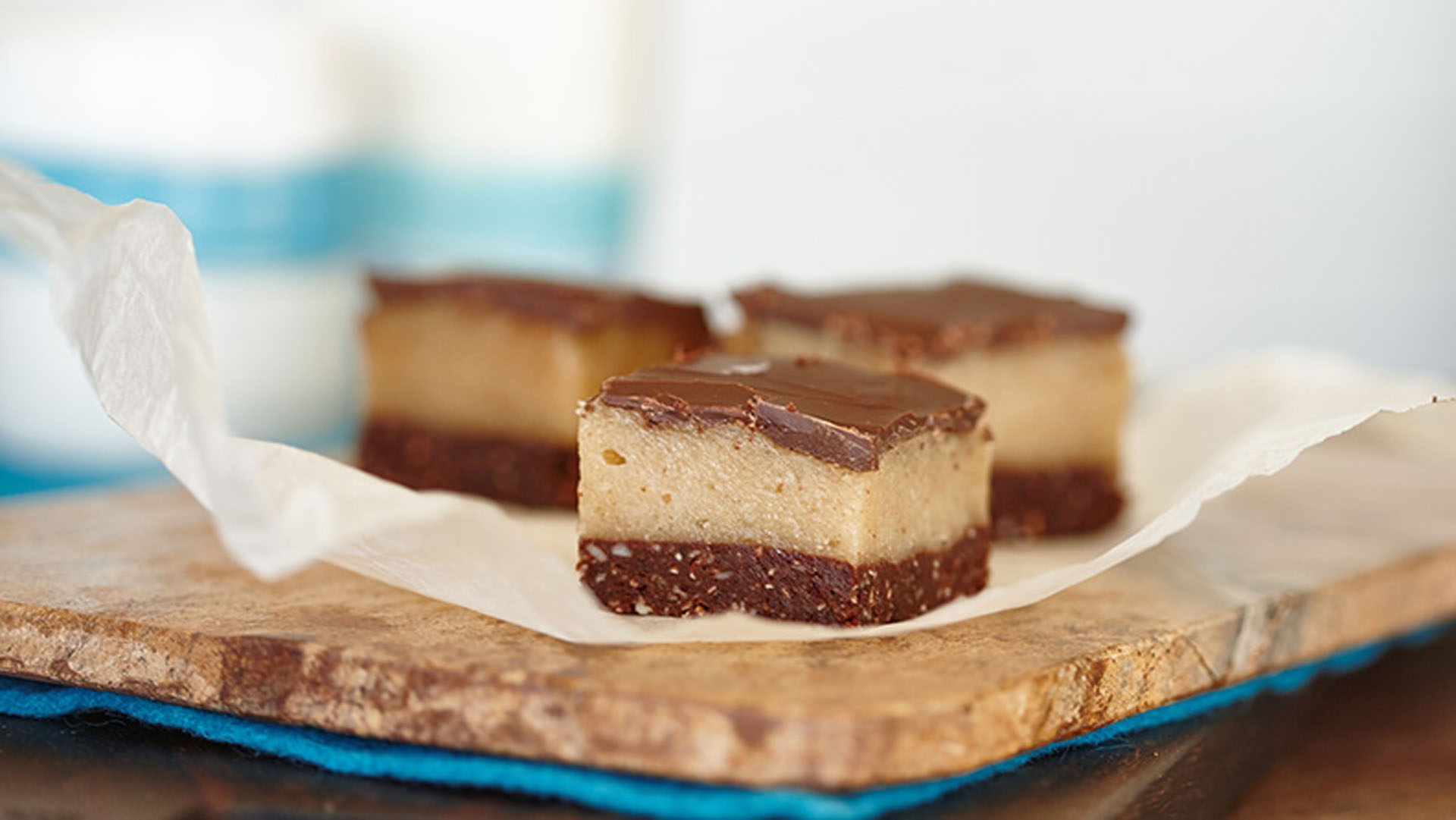 raw-macadamia-caramel-slice-recipe