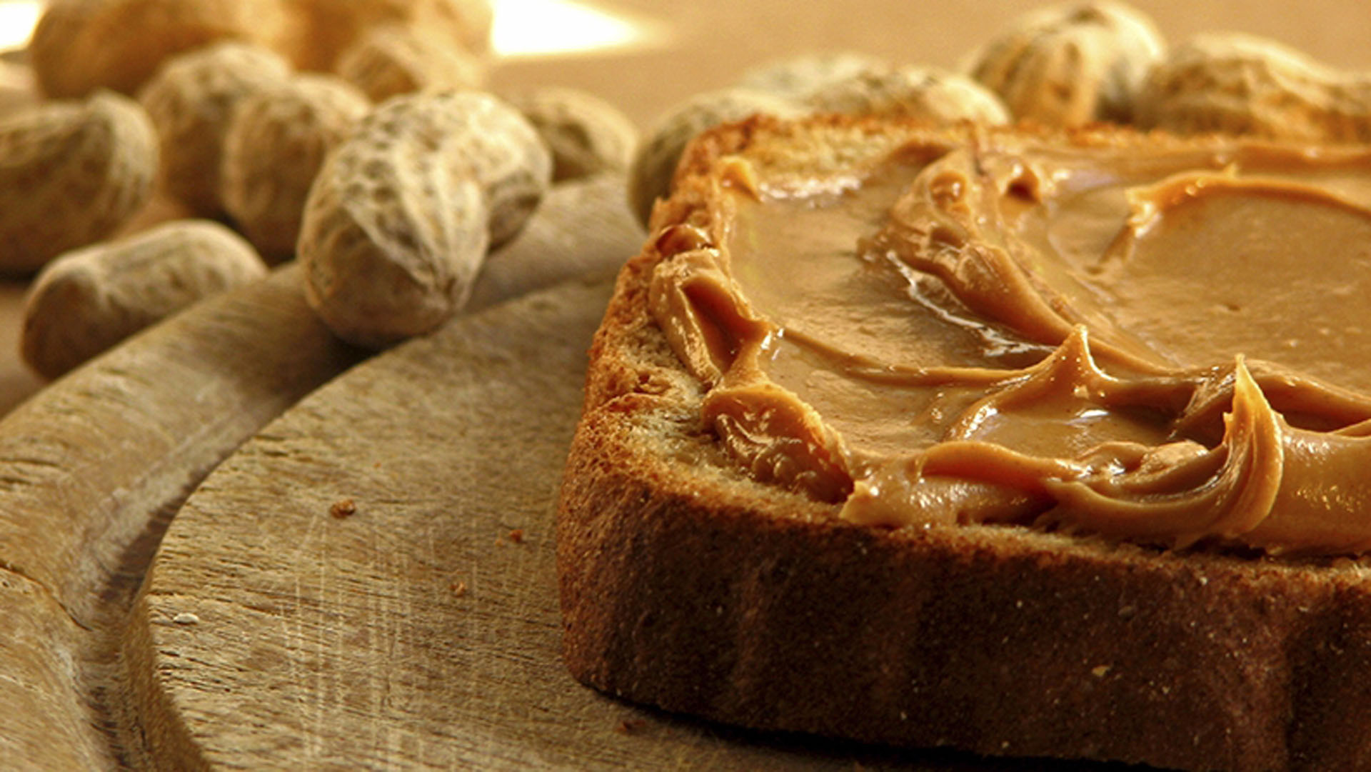 the-perfect-peanut-butter-plus-5-ways-to-use-it