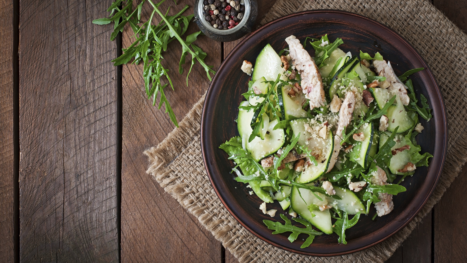 green-salad-with-chicken