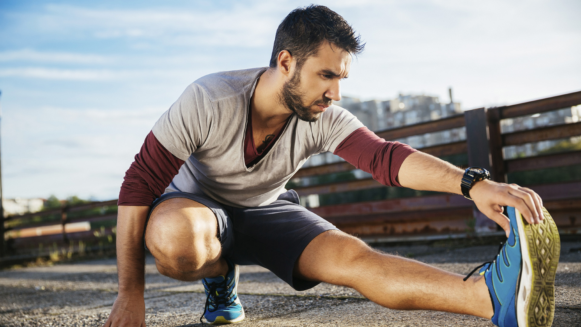 Guy_Stretching_running_istock_000064886249_large