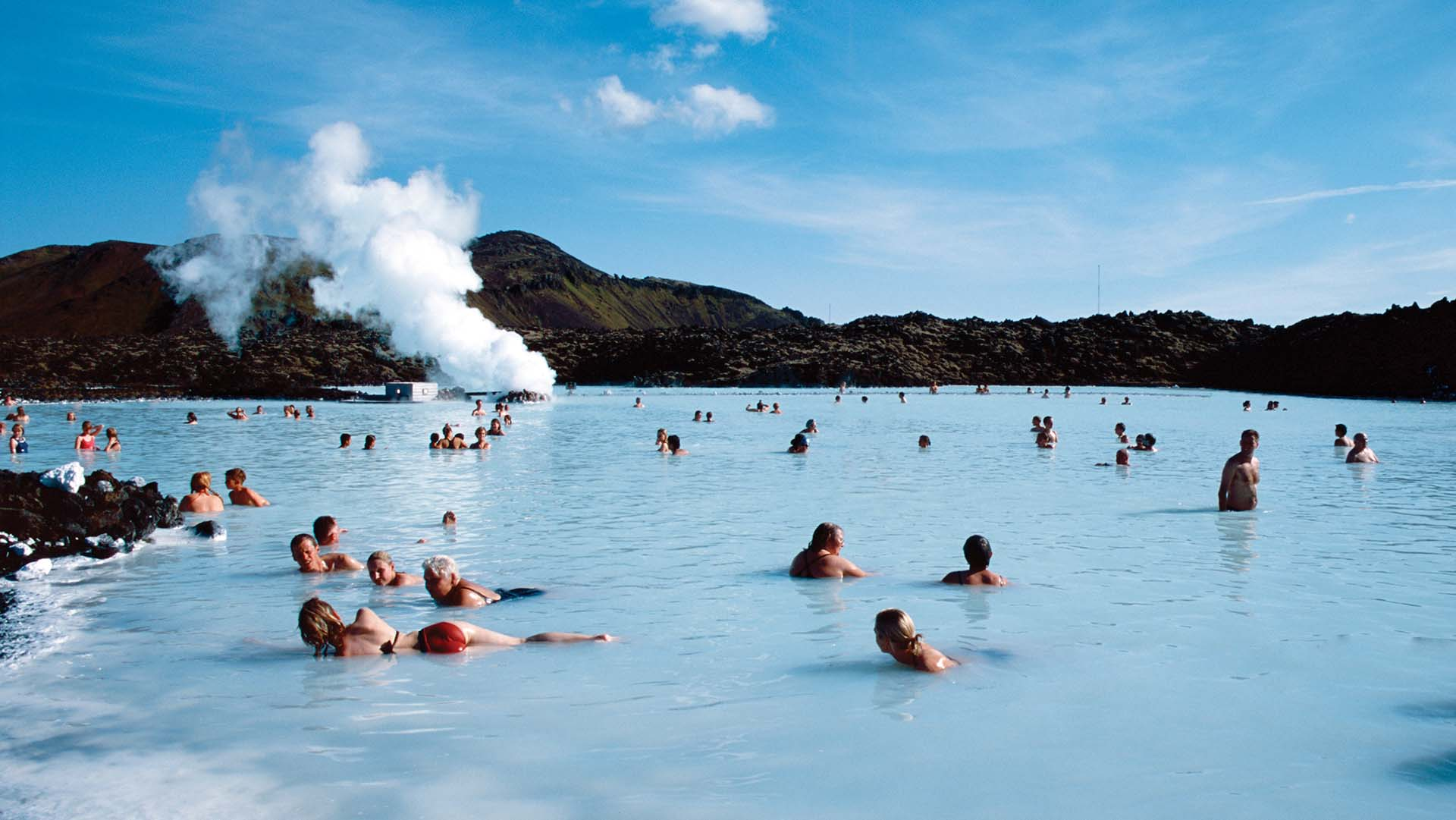be_hot_springs_blue_lagoon_iceland