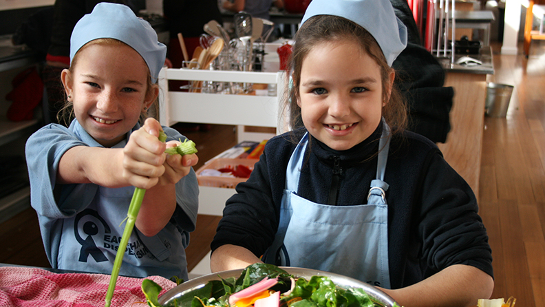 Eaglehawk Primary_kitchen_children_salads_May 2009_GFYL1_HR_1