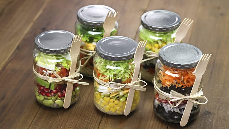 healthy_salad_jar_re_wpxh3