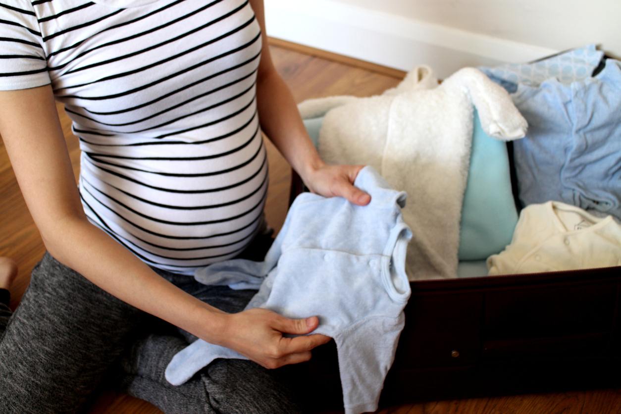 01c99b4fcec69 What to pack in your hospital bag when you're having a baby.   Live ...