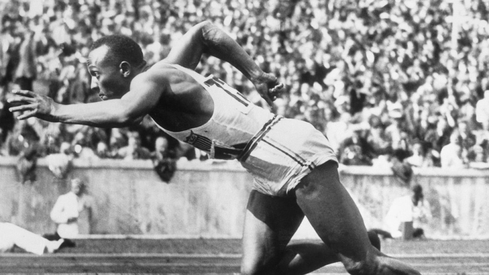 Jesse Owens competing