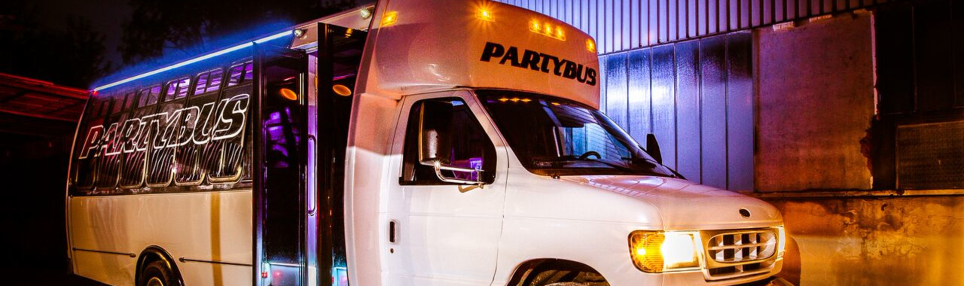 Berlin Partybus mit Strip image