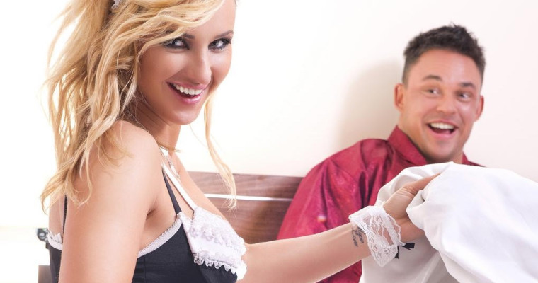 Sexy Maid stripper in Krakow - Pissup