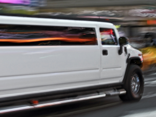 Airport Transfer Hummer H2 Limo (one way)