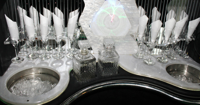 limousine vip from the inside with bar SHT