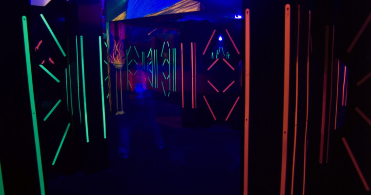 laser tag course with lights SHT