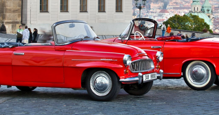 vintage car sightseeing in Prague on Stag