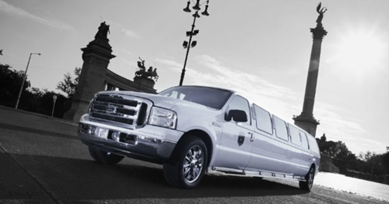 Barcelona Ford Expedition Limo Transfer Supplied