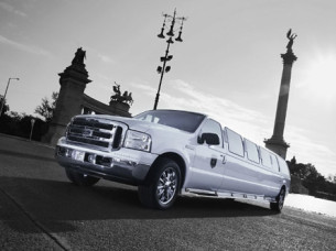 Ford Expedition Limo Transfer in Barcelona