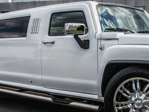 Stretch Limo Hummer H3 in Stuttgart
