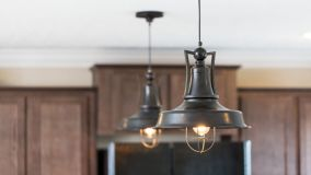 Home Care Tips and Tools: How to Replace Light Bulbs