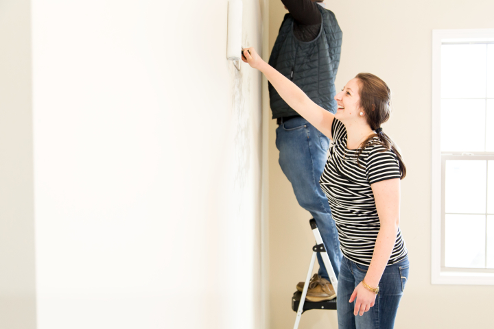 Paint Paper on Gypsum Wallboards Like a Pro