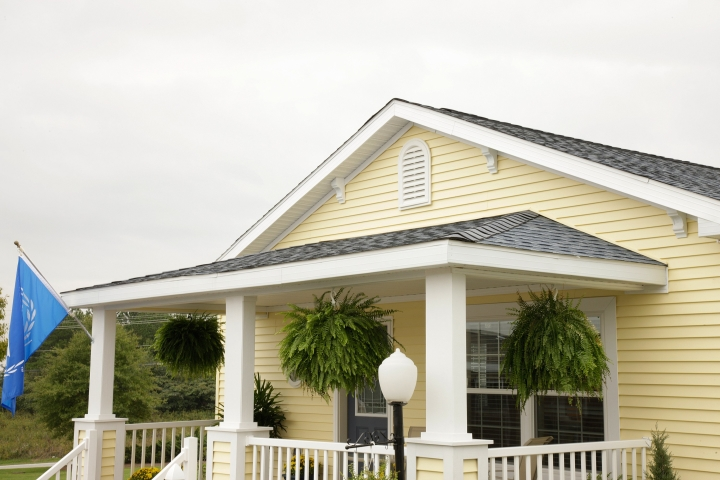 What Makes a Clayton Manufactured Home Roof? on mobile home hvac, mobile home stairs, mobile home stud walls, mobile home basements, mobile home bathrooms, replace mobile home walls, mobile home curtains, mobile home exterior walls, mobile home windows, framing mobile home walls,