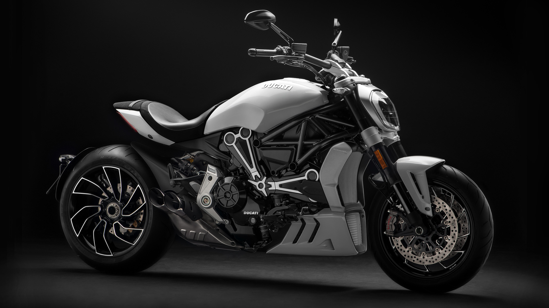 ducati xdiavel unique sport cruiser bikesthe new dark brown seat completes the sophisticated, sporty colour scheme