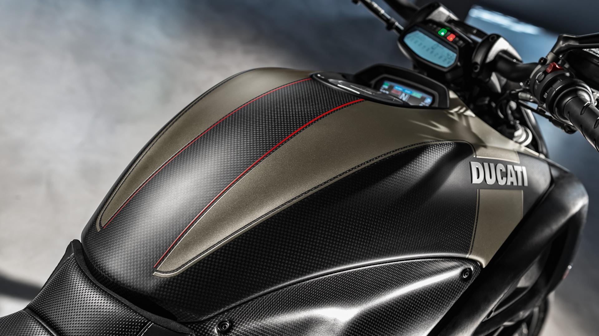 Ducati Diavel Sport Cruiser Bikes With Unique Style