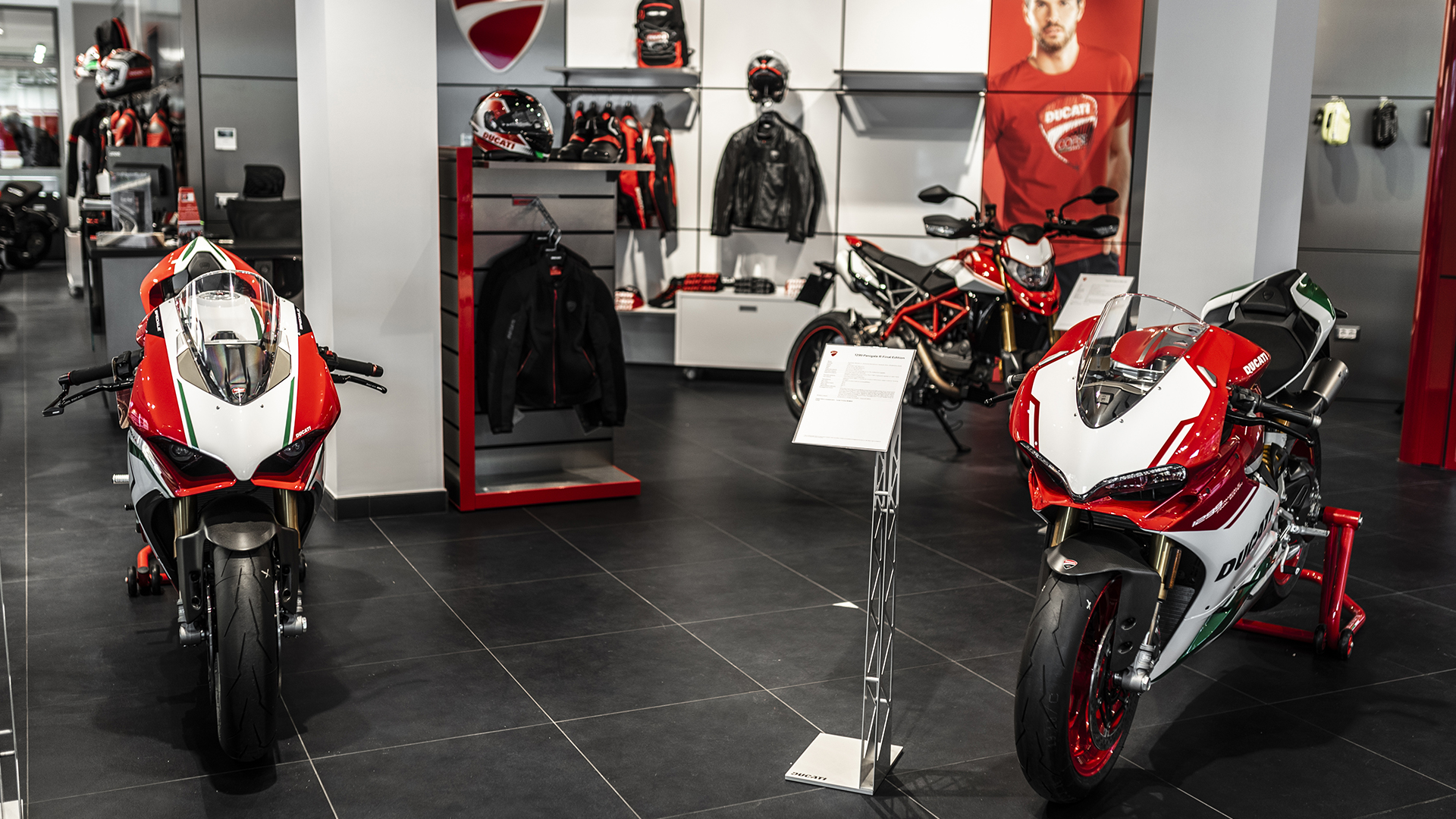 ducati opens second flagship store in rome. Black Bedroom Furniture Sets. Home Design Ideas