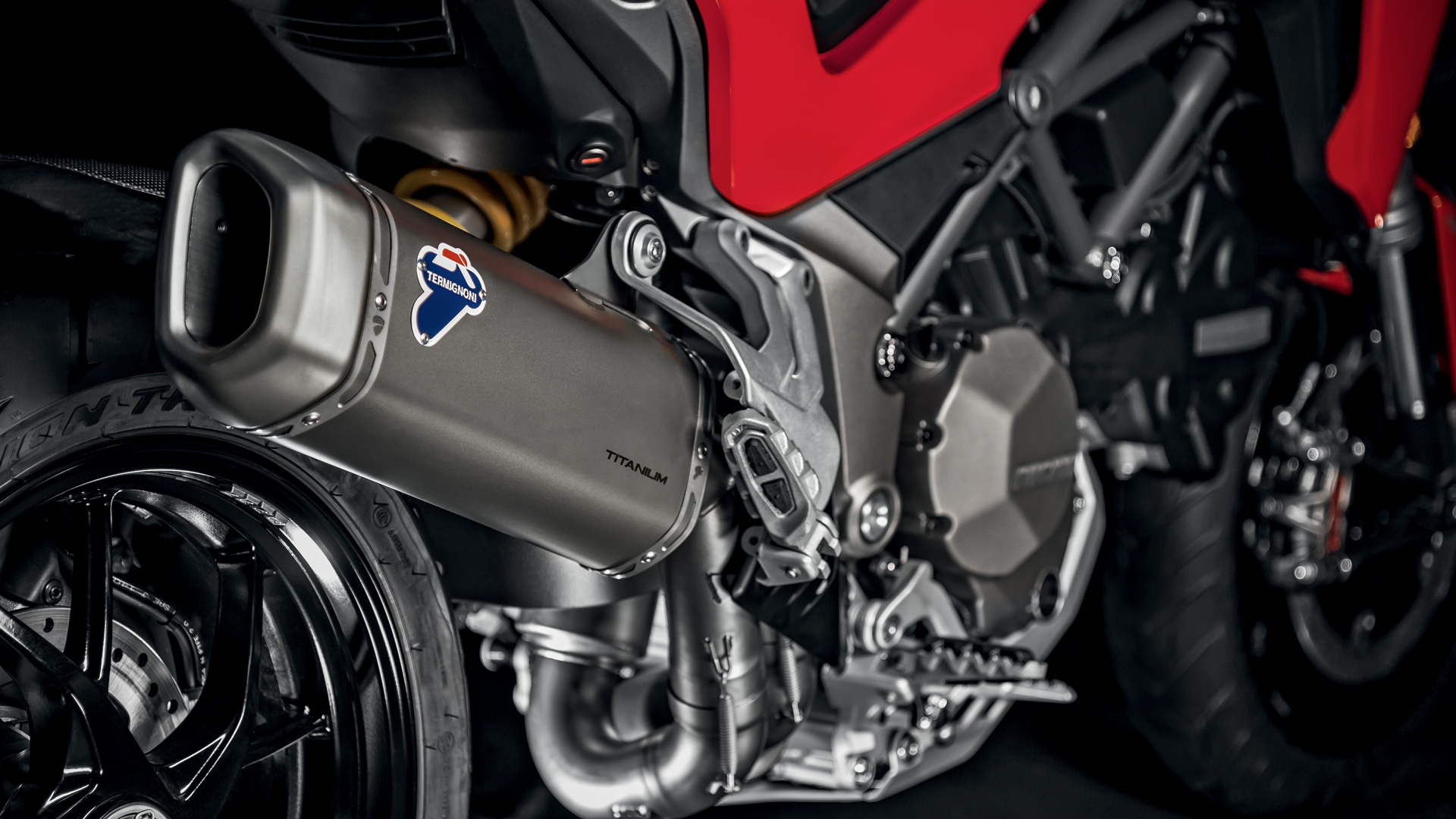 Customise your new Multistrada 1260 with Ducati Performance accessory packs