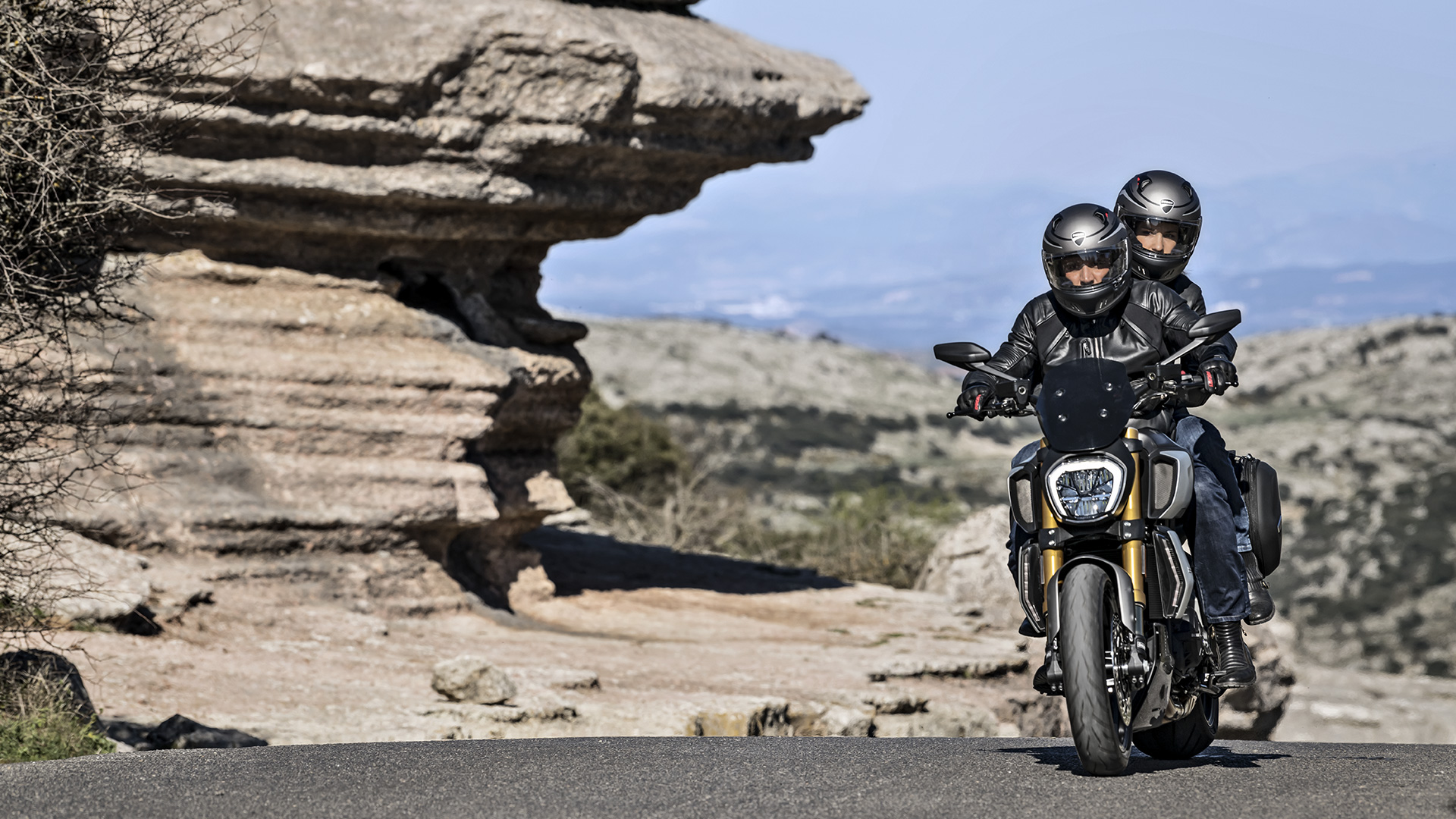 New Ducati Diavel 1260   The Maxi-Naked Powerful and Muscular